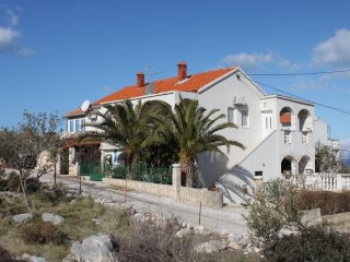 Two bedroom apartment Supetar (Brac) (A-7535-a)