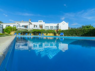 3 bedroom Villa in Areia, Faro, Portugal : ref 5574458