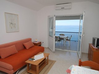 One bedroom apartment Bratus, Makarska (A-2627-d)