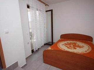 Two bedroom apartment Kustići, Pag (A-4129-d)