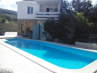 Pag Apartment Sleeps 6 with Pool Air Con and WiFi - 5465847