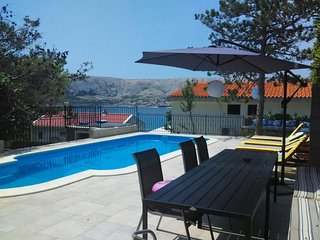 Pag Apartment Sleeps 4 with Pool Air Con and WiFi - 5465849