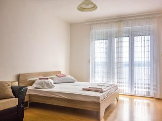 One bedroom apartment Lokva Rogoznica, Omis (A-2973-e)