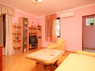 Two bedroom apartment Ćunski, Lošinj (A-7867-b)