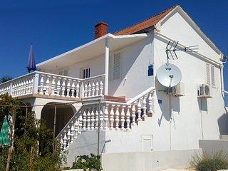 One bedroom apartment Verunic, Dugi otok (A-8104-b)