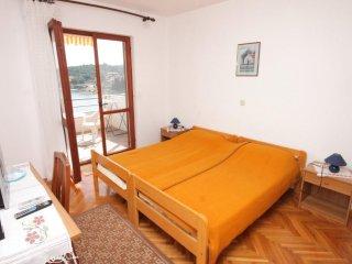 Room Luka (Dugi otok) (S-8132-c)