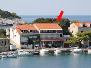 One bedroom apartment Zaklopatica (Lastovo) (A-8341-a)
