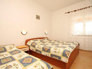 One bedroom apartment Zaklopatica, Lastovo (A-8341-b)