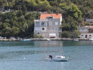 Two bedroom apartment Zaklopatica, Lastovo (A-8346-a)
