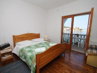 One bedroom apartment Zaklopatica, Lastovo (A-8346-b)