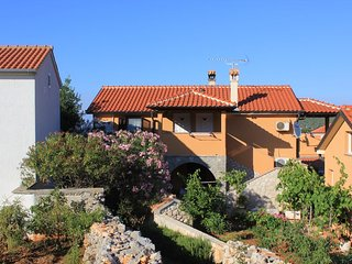 Two bedroom apartment Ilovik (Losinj) (A-8078-a)