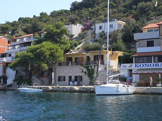 One bedroom apartment Zaklopatica, Lastovo (A-8347-a)