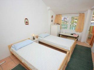 Room Zaglav, Dugi otok (S-8170-a)