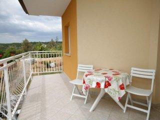 Ubasico Apartment Sleeps 5 with Air Con and WiFi - 5467503
