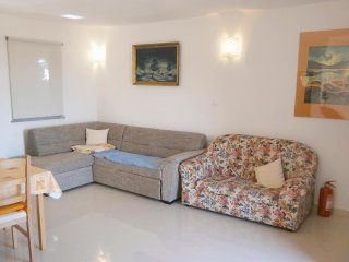 One bedroom apartment Valun (Cres) (A-8086-c)