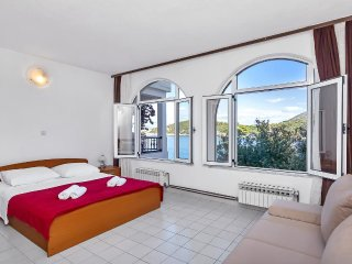 One bedroom apartment Pokrivenik, Hvar (A-2073-c)