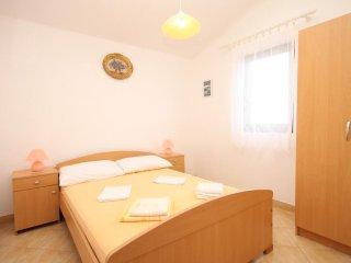 One bedroom apartment Rukavac, Vis (A-8837-f)