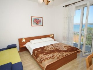 Room Tkon, Pasman (S-8377-a)