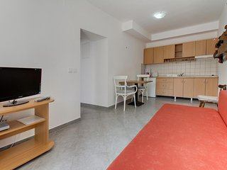 One bedroom apartment Artatore, Lošinj (A-8022-b)