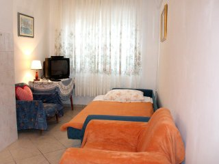 Three bedroom apartment Zarace, Hvar (A-2047-b)