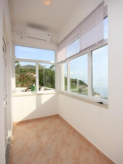 Hallway 1, Surface: 4 m²