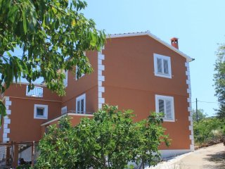 Two bedroom apartment Zman (Dugi otok) (A-8133-a)