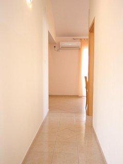 Hallway, Surface: 9 m²