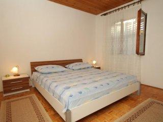 Two bedroom apartment Mala Lamjana, Ugljan (A-8449-a)
