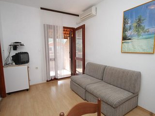 One bedroom apartment Mrljane, Pašman (A-8464-d)
