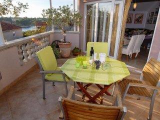 Ugljan Apartment Sleeps 4 with Air Con and WiFi - 5468449