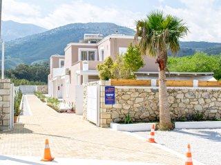 Villa Oniro walking distance to the sea
