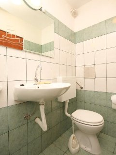 Toilet 5, Surface: 2 m²