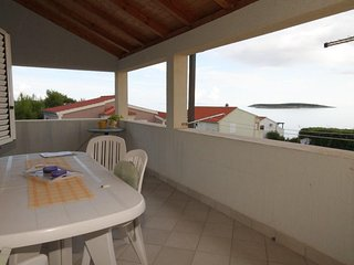 Milna Apartment Sleeps 6 with Air Con and WiFi - 5469008