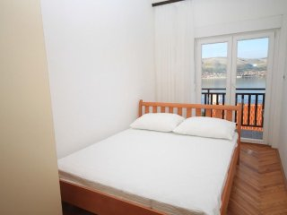 Two bedroom apartment Okrug Donji, Čiovo (A-8664-b)