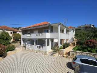 One bedroom apartment Trogir (A-8683-a)