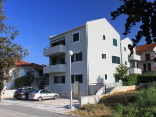 Two bedroom apartment Stari Grad (Hvar) (A-8704-a)