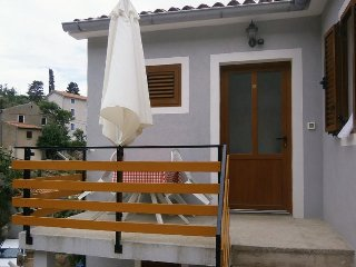 Valun Apartment Sleeps 5 with Air Con - 5467878