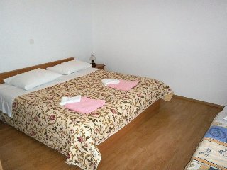 Two bedroom apartment Valun (Cres) (A-8081-a)