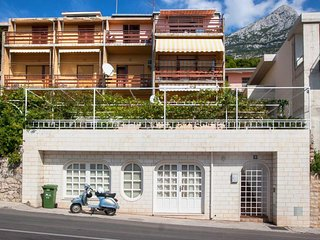 One bedroom apartment Makarska (A-8817-a)