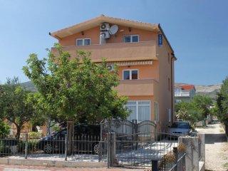Two bedroom apartment Kaštel Štafilić, Kaštela (A-9211-a)