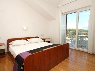 Two bedroom apartment Jelsa, Hvar (A-8765-d)