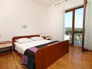 Two bedroom apartment Jelsa, Hvar (A-8765-e)