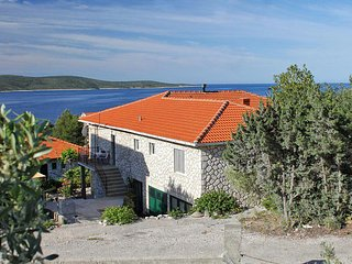 Two bedroom apartment Zavala (Hvar) (A-8802-a)