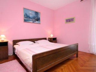 Two bedroom apartment Ivan Dolac, Hvar (A-5709-b)