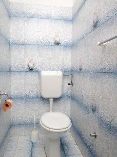 Bathroom 1, Surface: 4 m²