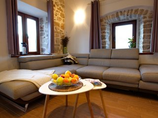 Three bedroom apartment Jelsa, Hvar (A-8713-b)