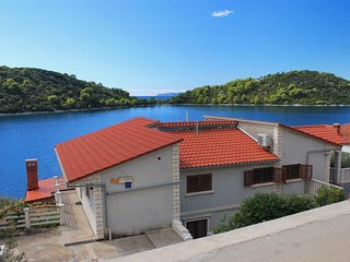 Two bedroom apartment Karbuni (Korčula) (A-9308-b)