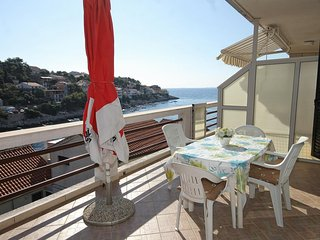 Smokvica Apartment Sleeps 5 with Air Con and WiFi - 5469405