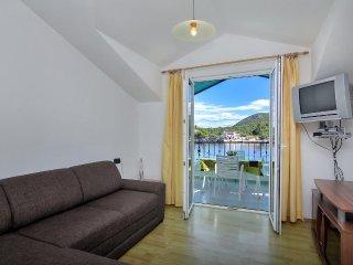 One bedroom apartment Pokrivenik, Hvar (A-2073-f)