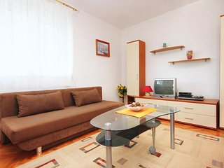 Two bedroom apartment Rogoznica (A-10002-b)
